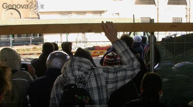 Scontri a principe 14 manifestanti condannati pene sotto - Genova porta principe ...