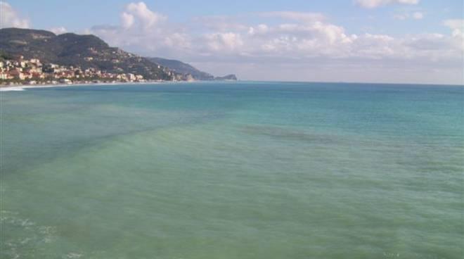 Inquinamento mare Finale Ligure