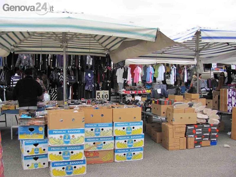 mercato vestiti