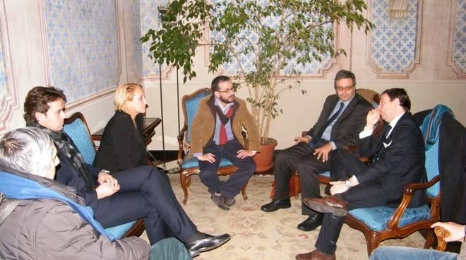 assessore Gabriele Cascino in visita ad Albenga