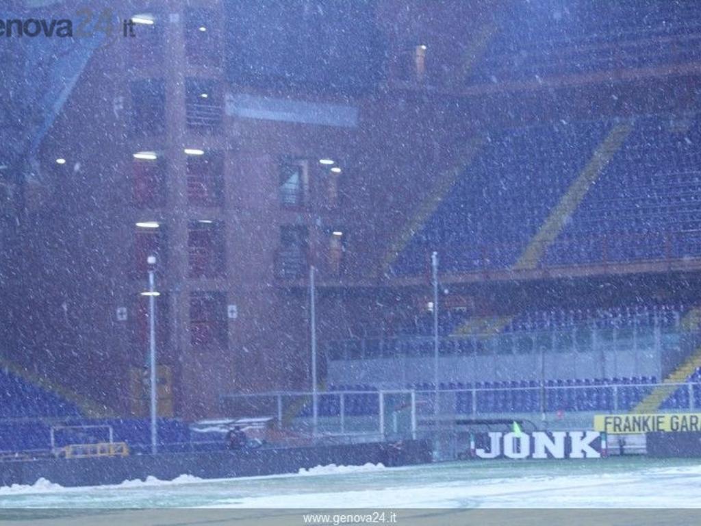 Genova - rinviato per neve derby Sampdoria Genoa