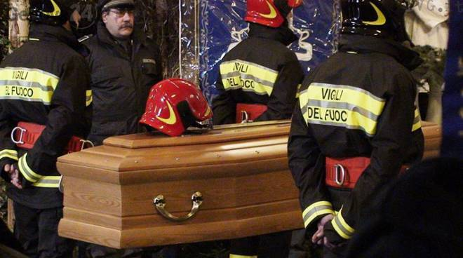 pompiere morto
