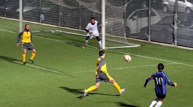 Azione-primo-gol-Ceriale fA IMG 5335