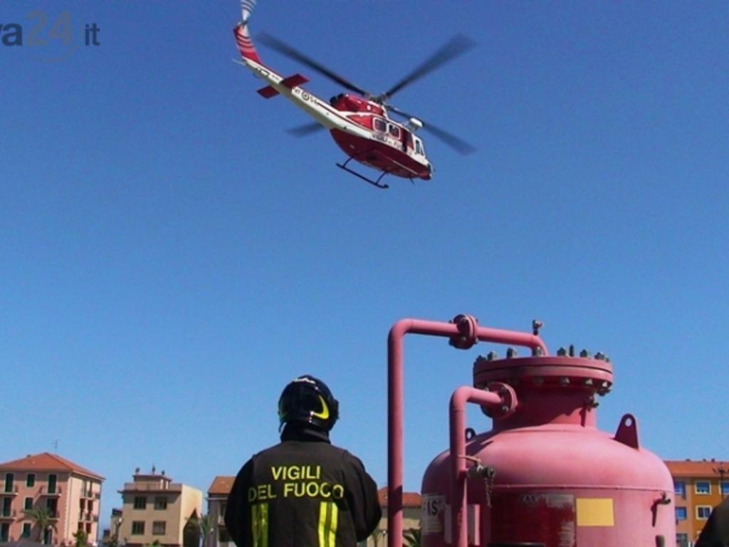 Elicottero Quarto : Quinto due sub in difficoltà salvati da elicottero dei vigili