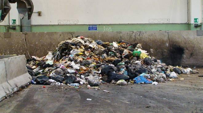 rifiuti discarica boscaccio