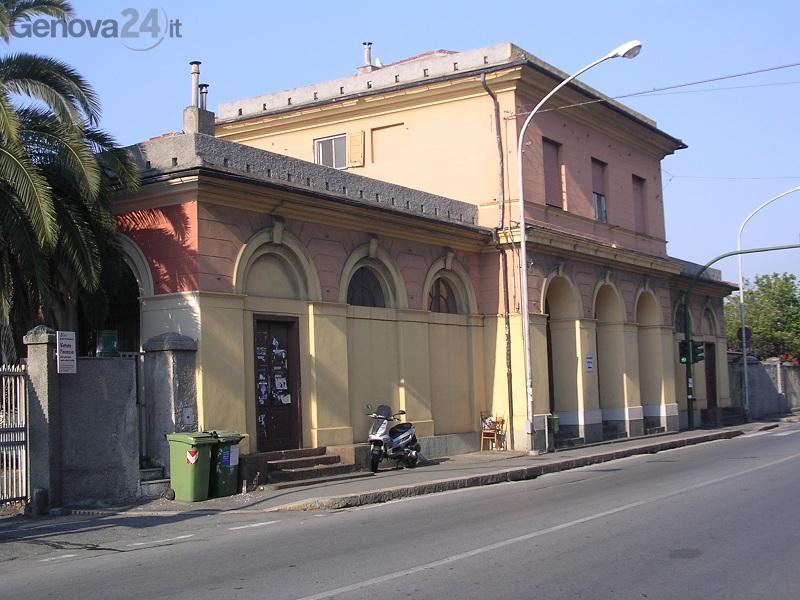 stazione fs Prà