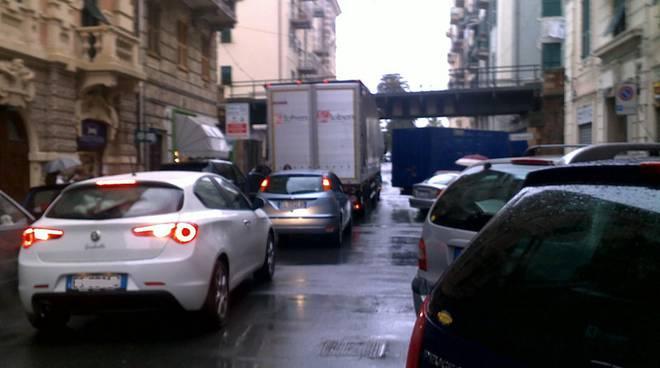 camion ponte via montenotte savona