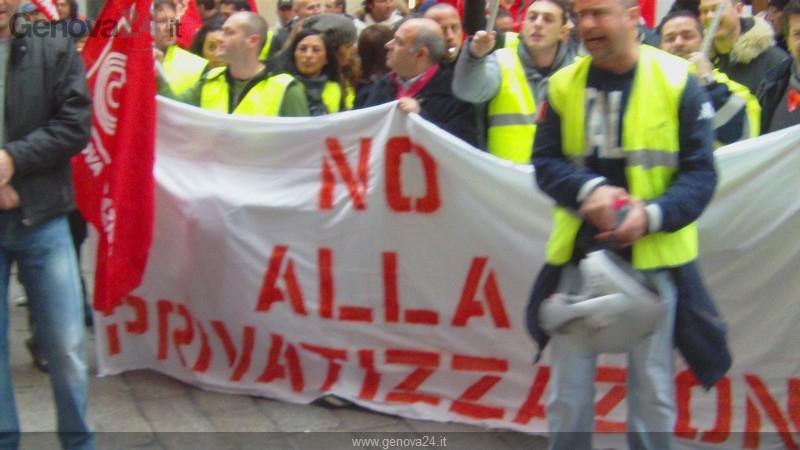 Genova - protesta privatizzazione aeroporto Colombo