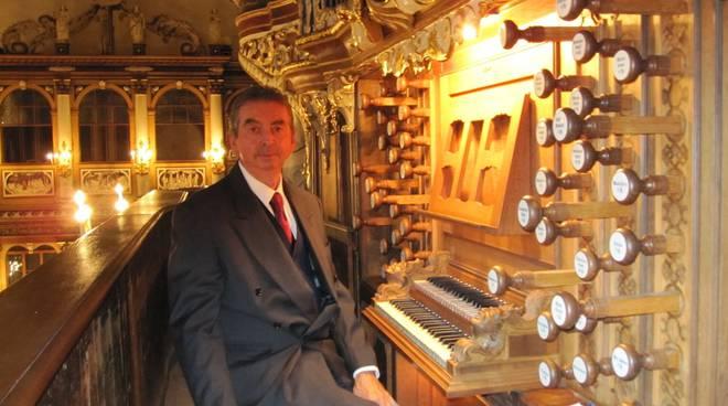 Mario Duella, musicista, organista