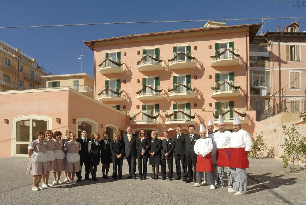 studenti alberghiero all'hotel Toscana Alassio