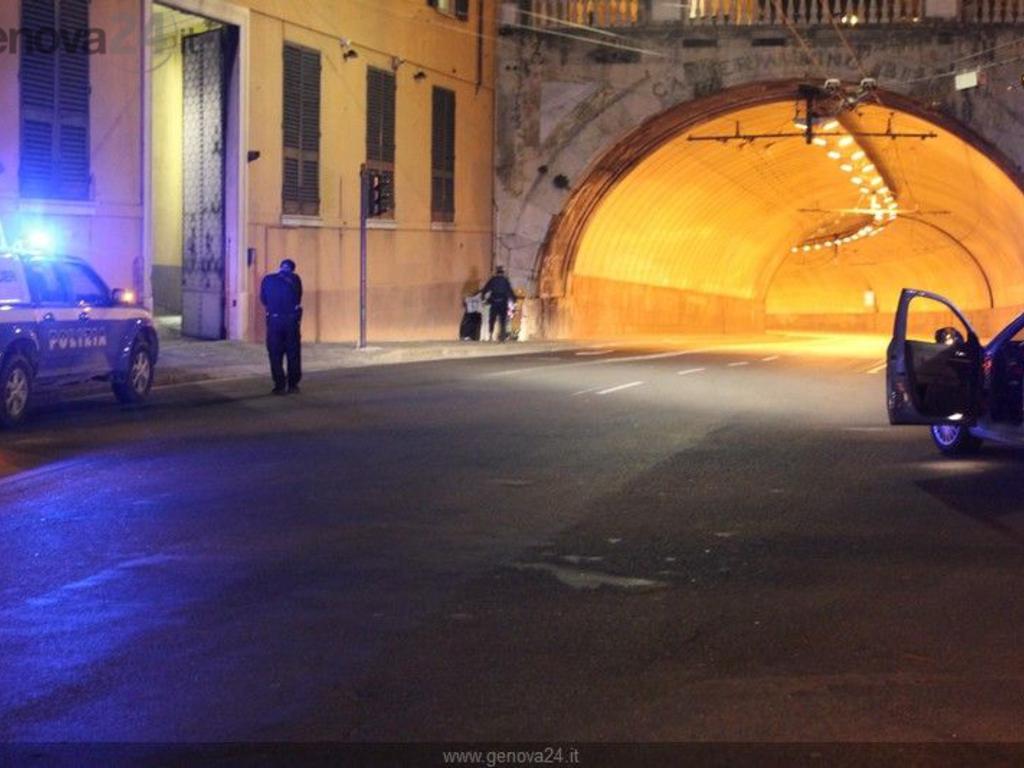 Genova - Allarme bomba prefettura