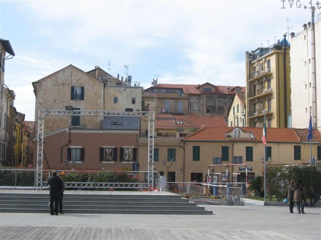 piazza partigiani alassio