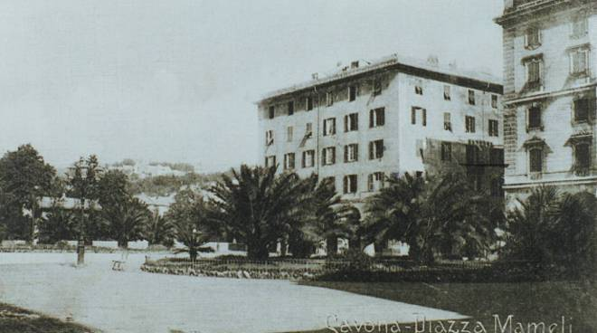 Savona piazza Mameli