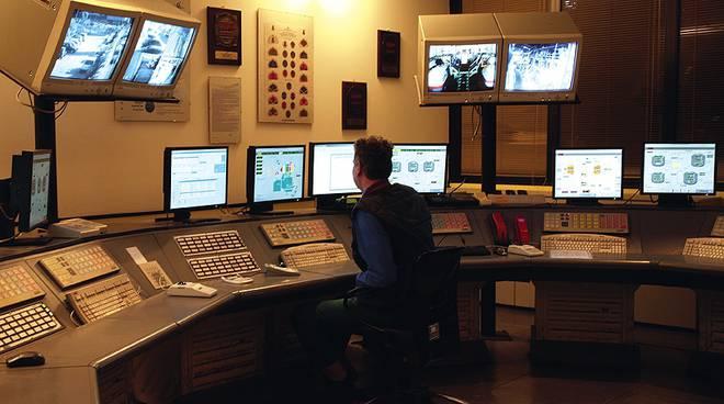 infineum, sala di controllo