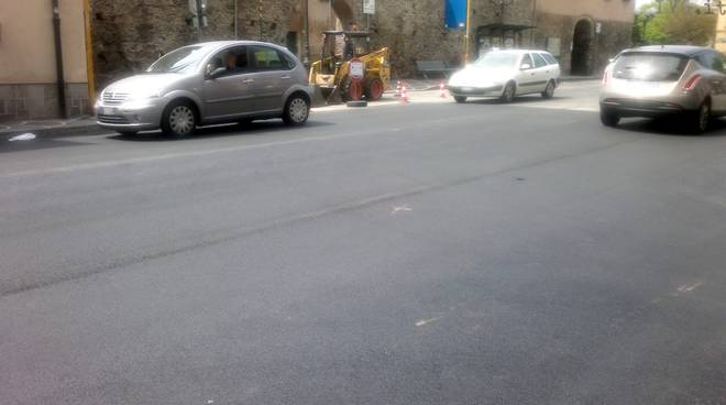 albenga, asfaltatura strade (porta molino)