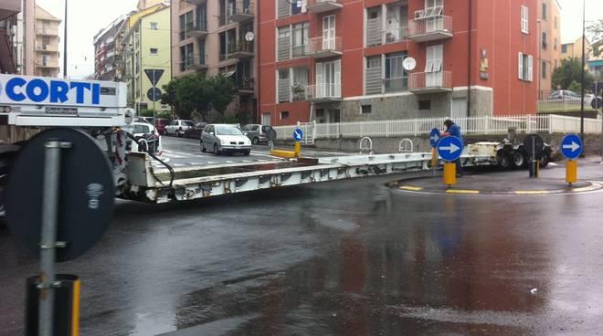 camion incastrato savona