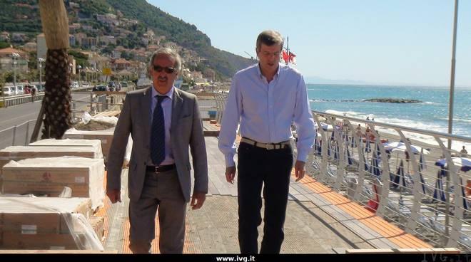 De Vincenzi e Burlando passeggiata levante Pietra Ligure