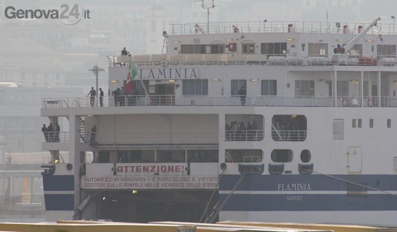 Genova - sbarco profughi nave flaminia