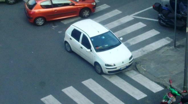 Parcheggio selvaggio a Villapiana
