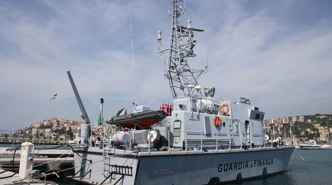 unità navale guardia finanza