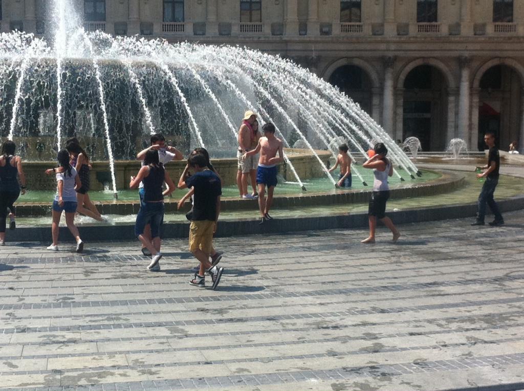 bagno piazza de ferrari