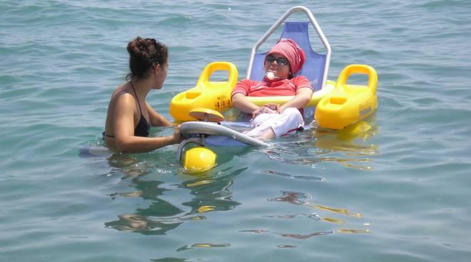 disabile in mare