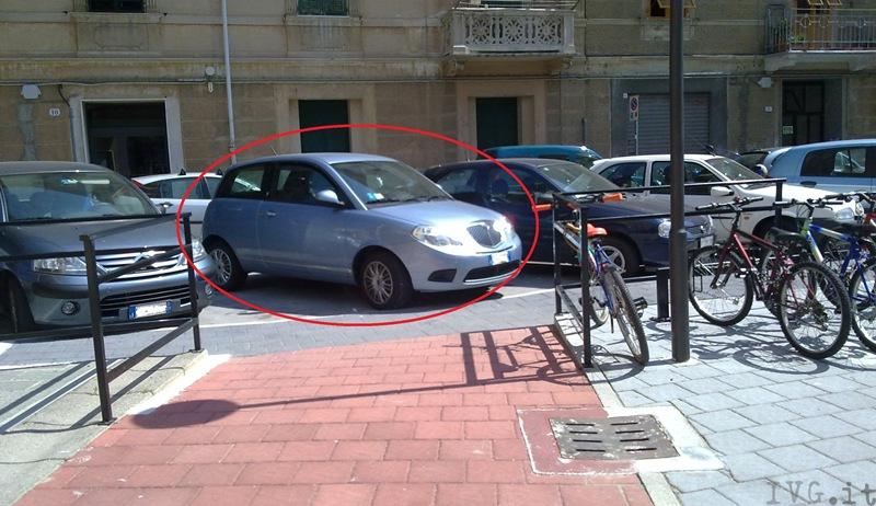 Savona, rampa disabili in piazza Bologna