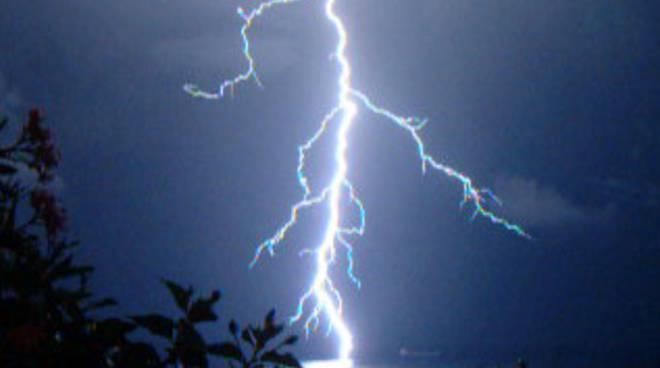 fulmini e temporale a Savona