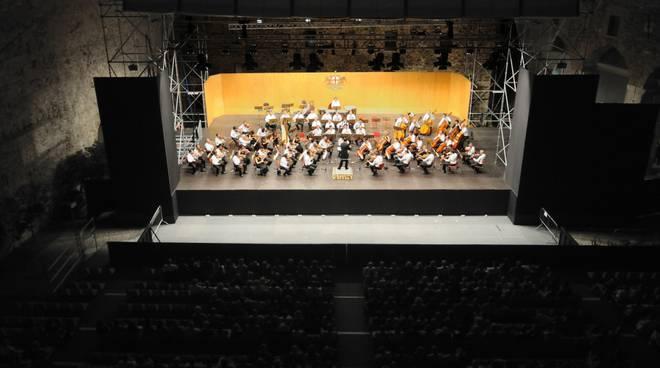 opera giocosa: orchestra Teatro Carlo Felice