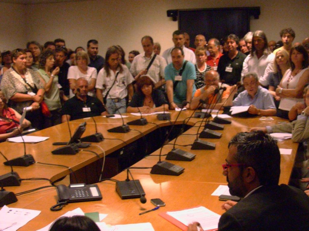consiglio regionale, protesta sanità