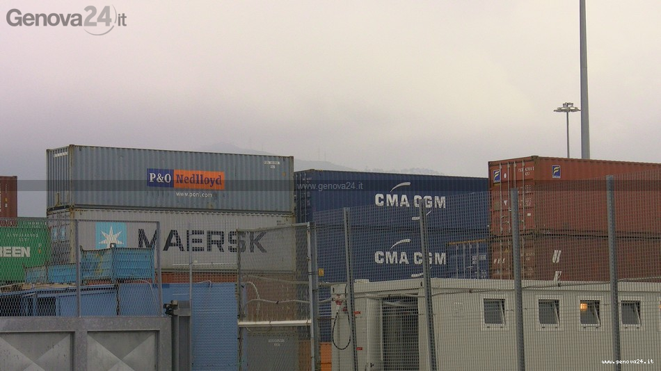 container - maersk - porto voltri prà