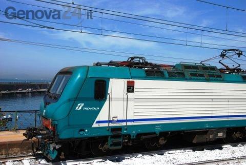 locomotiva trenitalia e464
