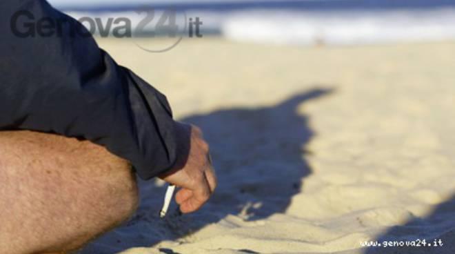 spiaggia fumatori