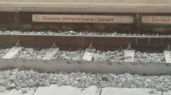 Binari ferrovia treno