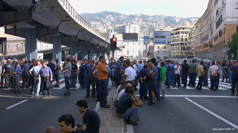 manifestazione lavoratori navi