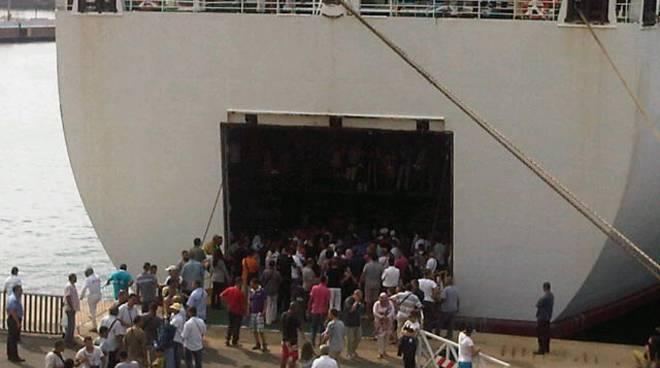 nave tunisina porto