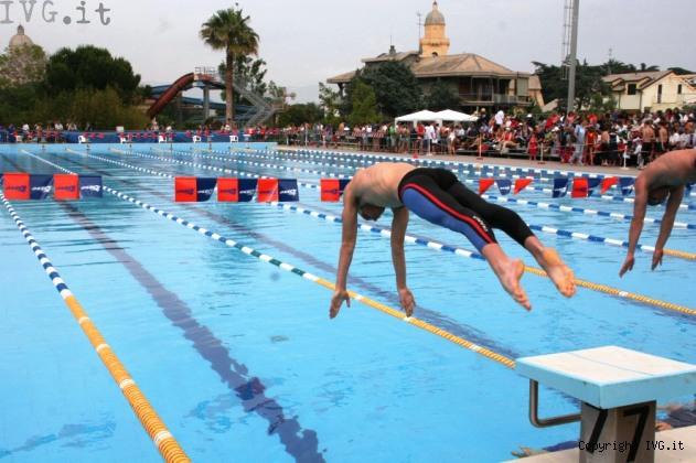 Loano riapre la piscina comunale al coperto ecco corsi e - Piscina comunale livorno corsi acquagym ...