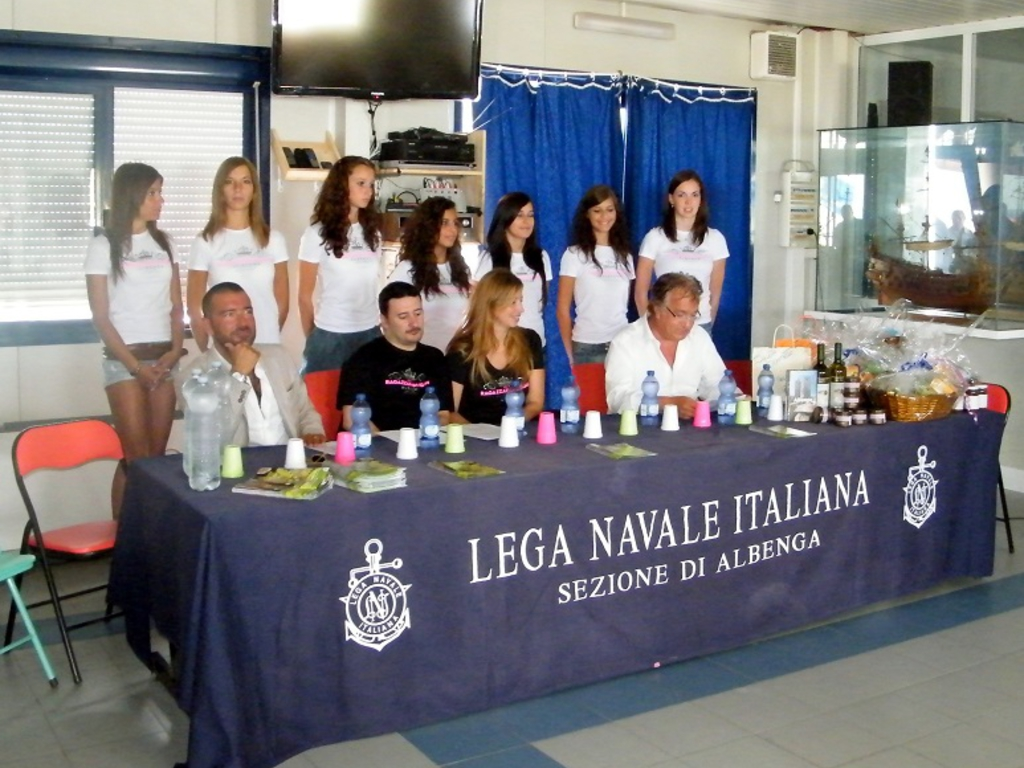 Ragazza immagine Albenga