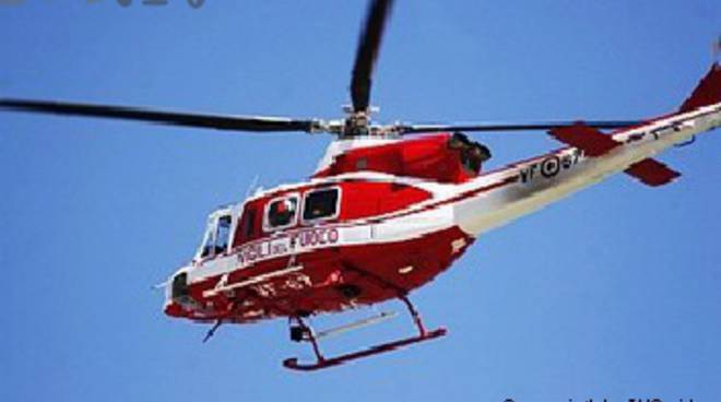 Elicottero Vigili Fuoco : Falso allarme a sturla elicottero e barche in azione