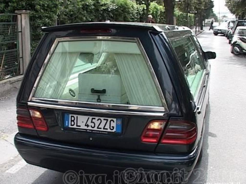 funerale bara