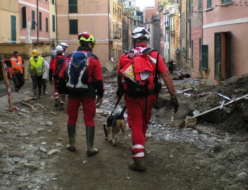 alluvione levante: la croce rossa