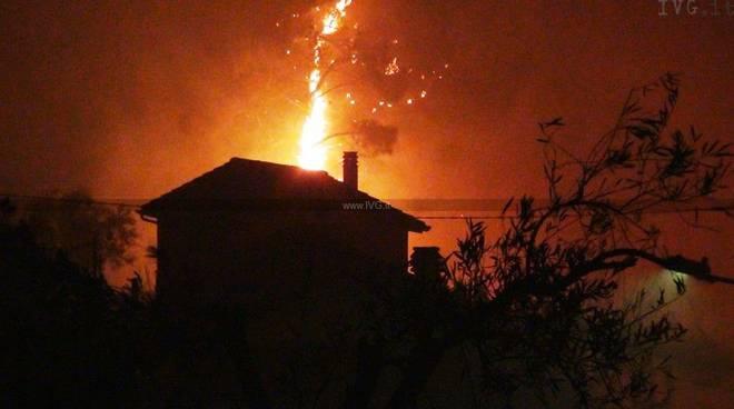 Incendio Vado Ligure