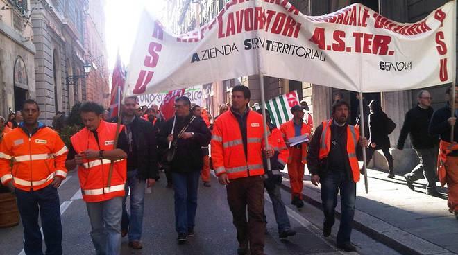 lavoratori aster protesta