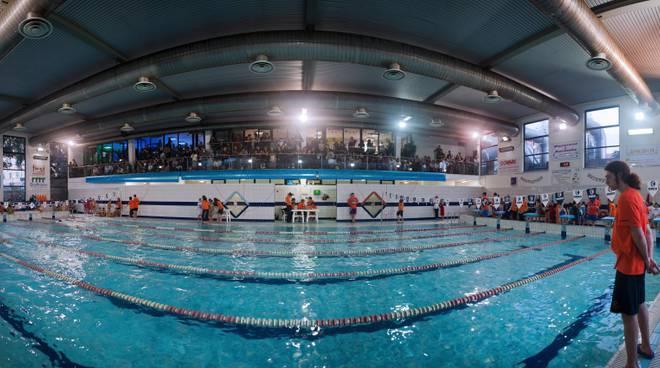 Le promesse genovesi del nuoto si sono sfidate nella piscina di rivarolo genova 24 - Piscina rivarolo ...