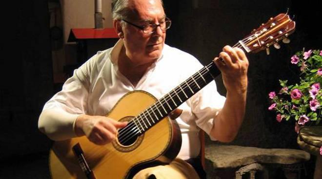 chitarrista savonese Pino Briasco