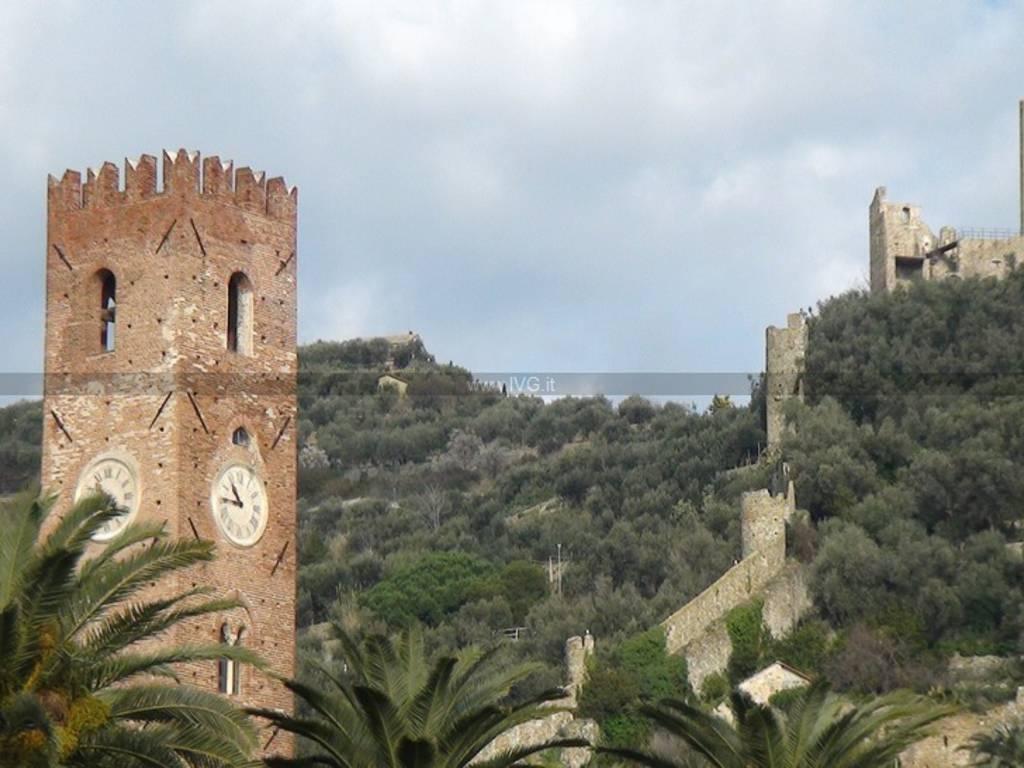 Noli - castello e torre