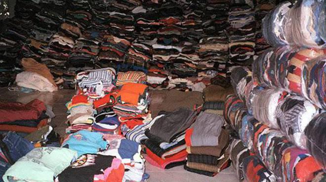 abiti usati, caritas