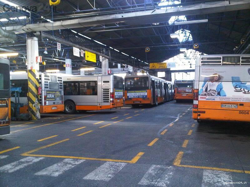 bus al deposito di via Ruspoli