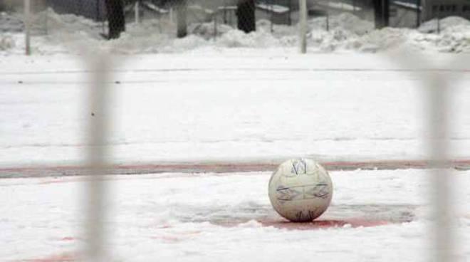 campo calcio neve