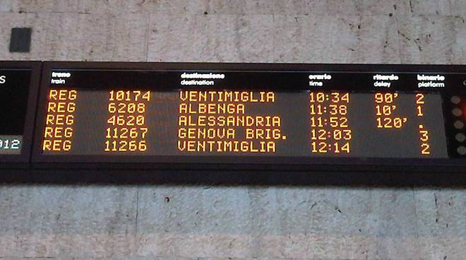 maltempo e neve, ritardi treni